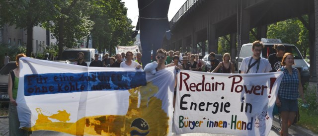 Protests like this one in Berlin for the democratization of the grid show that citizens agree with the goals of the Energiewende but want to be taken seriously as actors.