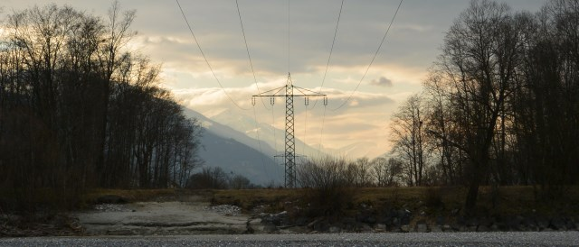 German, Austrian or Italian electricity? A power line in Austria.