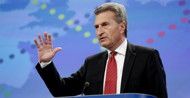 Energy Commissioner Günther Oettinger will come out with the European Commissions position on FITs soon. (© European Union, 2013)