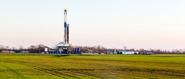 Unlikely to become a common sight in Germany anytime soon: Fracking well in Louisiana (Photo by Daniel Foster, CC BY-NC-SA 2.0)