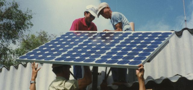 (Photo by Solar Electric Light Fund, https://www.flickr.com/photos/solarelectriclightfund, modified, CC BY-NC-ND 2.0)