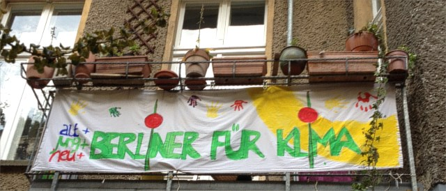 Berliners showing their support for a public grid