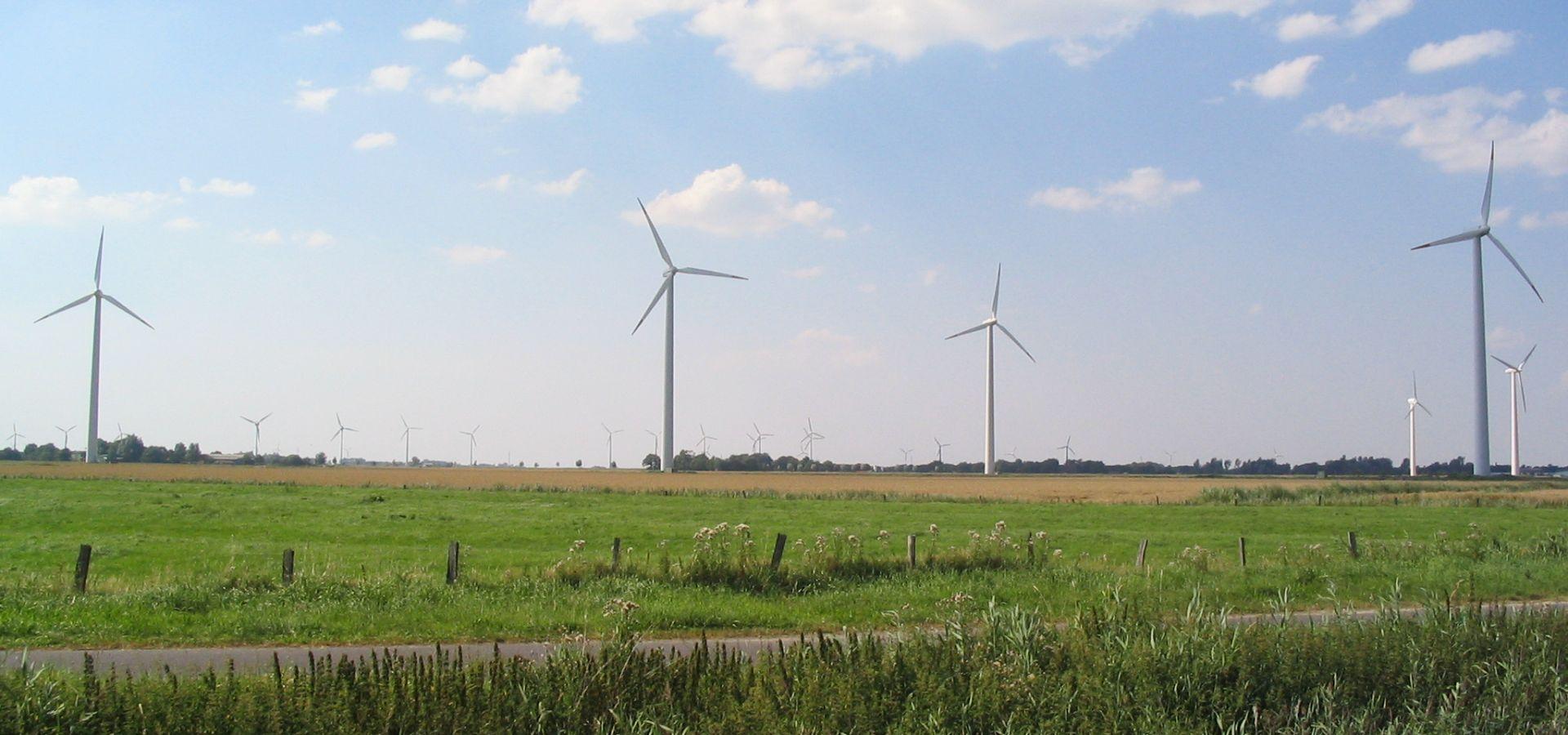 Fiasco, or success? Wind farm in Neuenkirchen, Germany (Photo by Dirk Ingo Franke, edited, CC BY-SA 1.0)