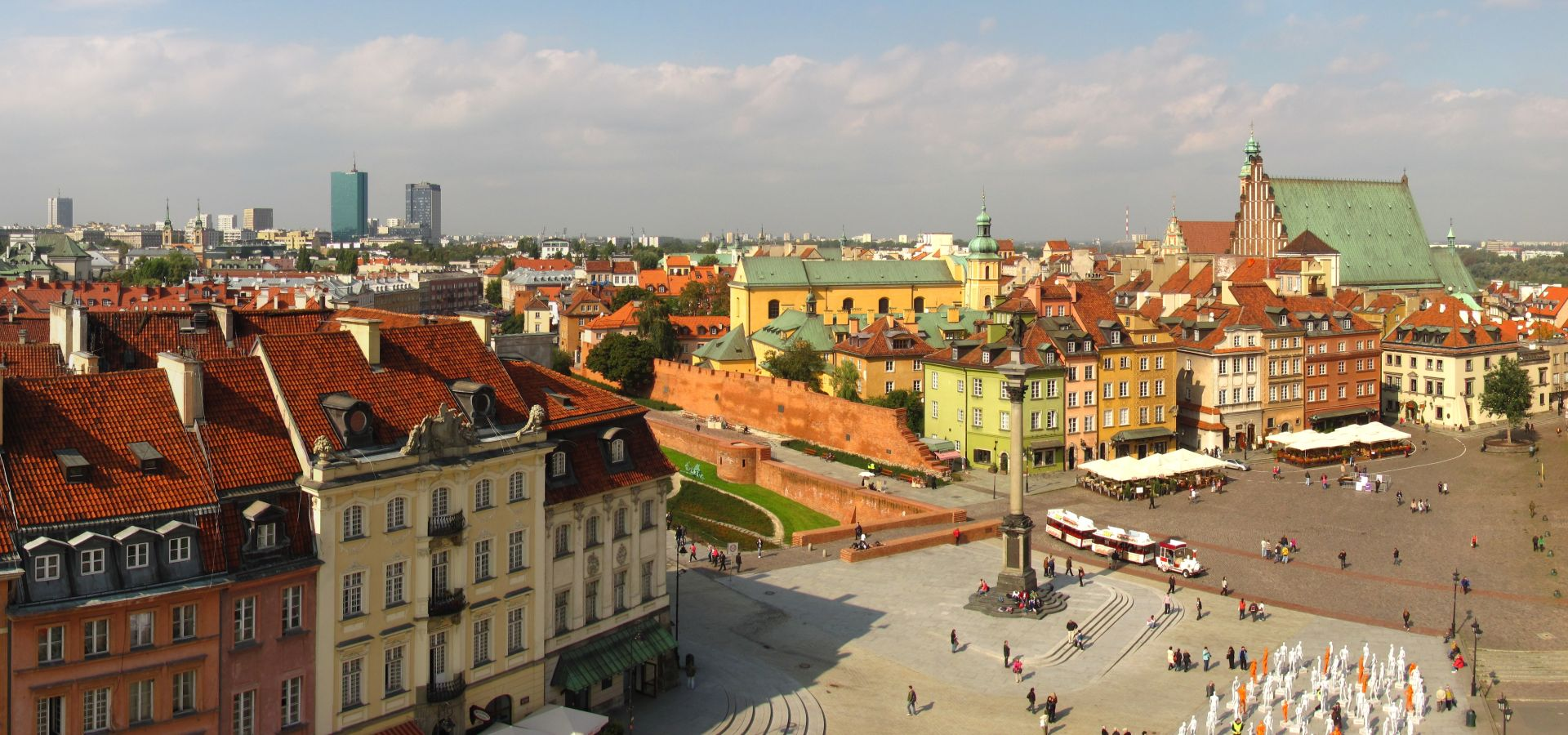 Panoramic view of the Castle Square in Warsaw