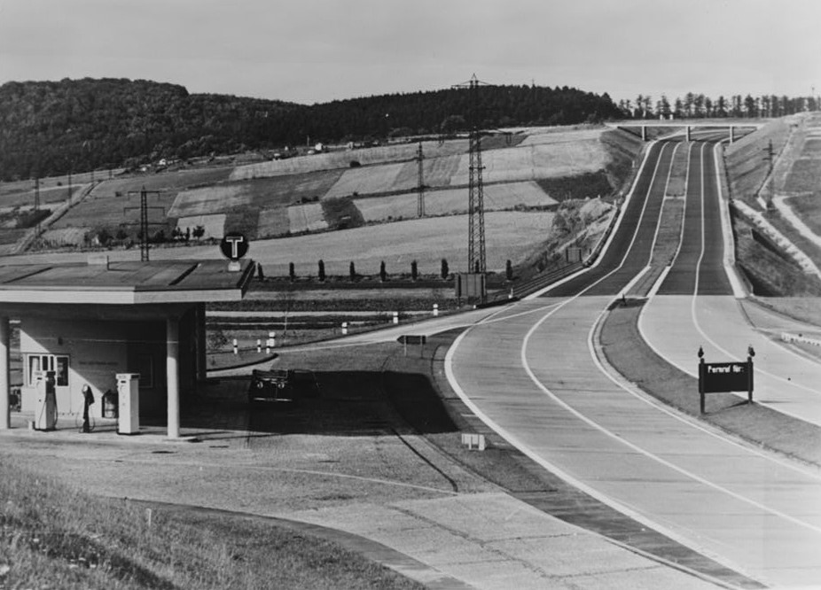 A German highway in the late 1930s, even including a filling station. In most countries, highways were built first so that people would buy cars. If we want electric cars, we need to provide infrastructure for them first as well. Source: The Library of Congress Prints & Photographs Online Catalog
