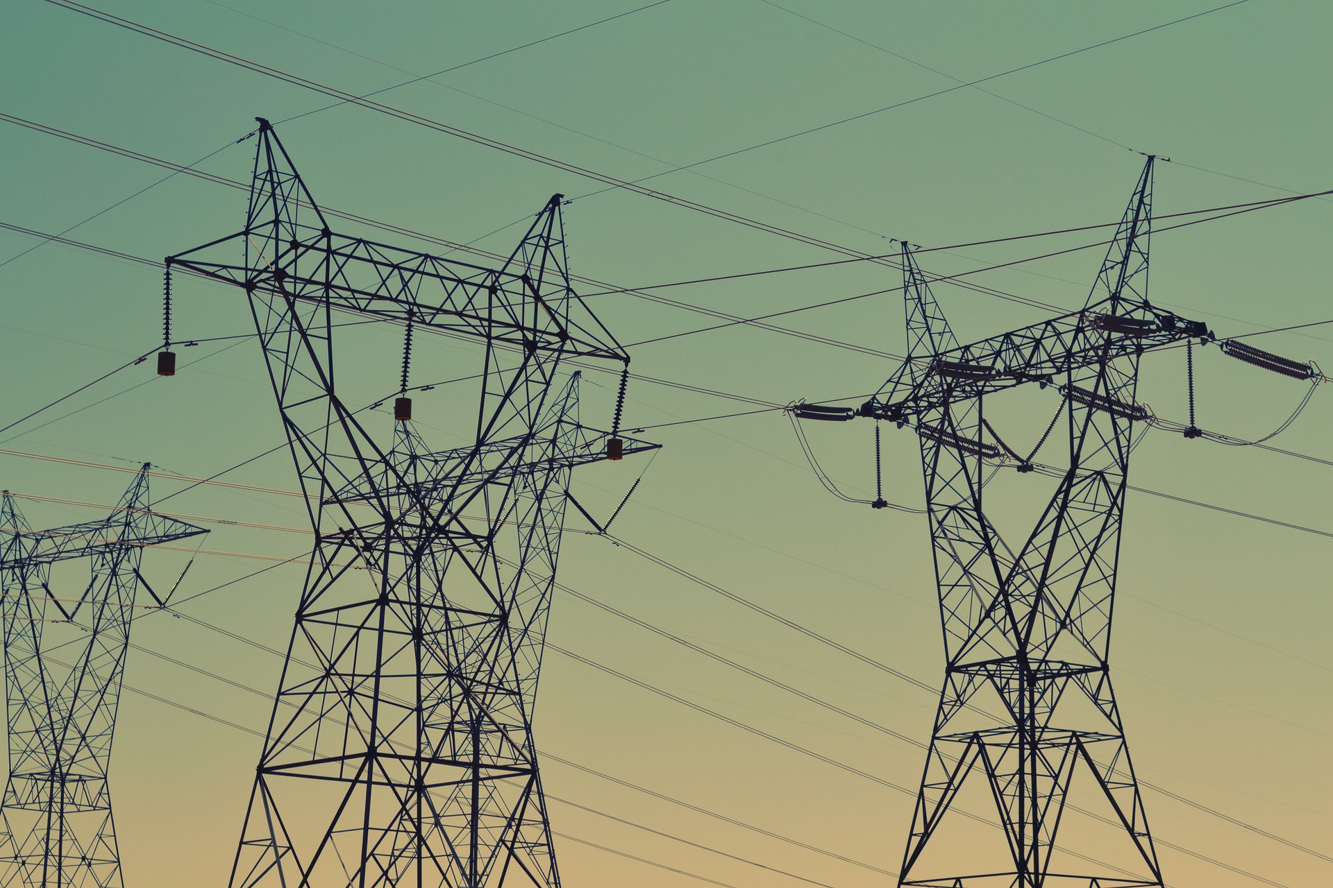 High-voltage direct current - License: Public Domain, Photo by Snapwire