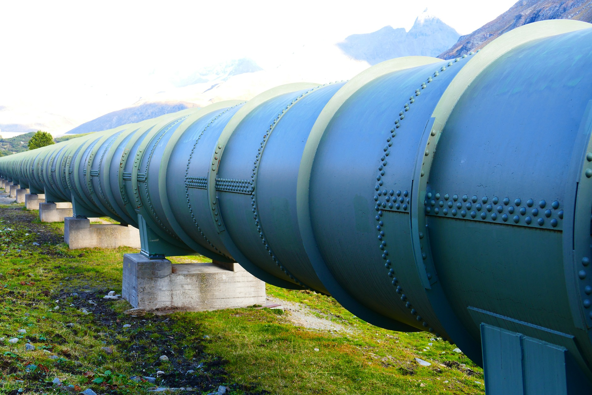 pipeline - License: Public Domain, Photo by LoggaWiggler
